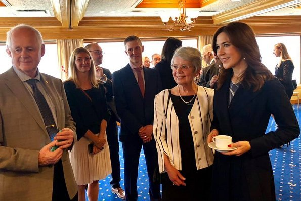 Crown Princess met Danes residing in the Vancouver area