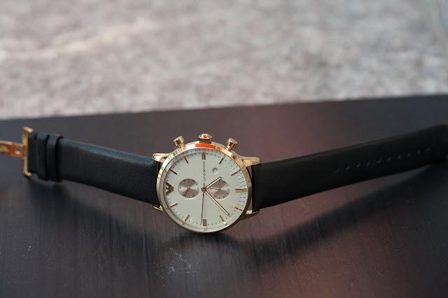 Đồng hồ nam Armani dây da giá bán chạy nhất 2016