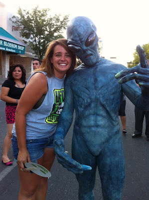Aliens embrace!