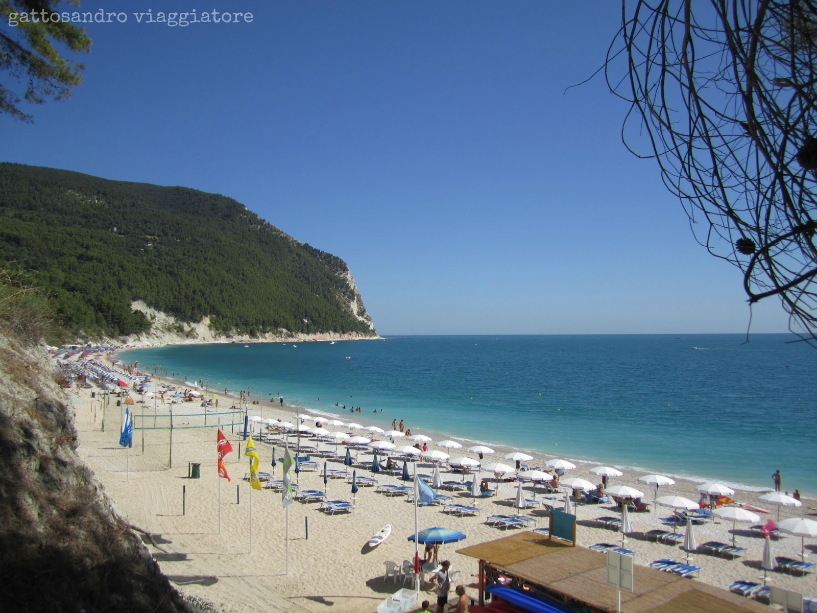 Gattosandro viaggiatore travel blog italia on the road - Piscina falconara marittima ...