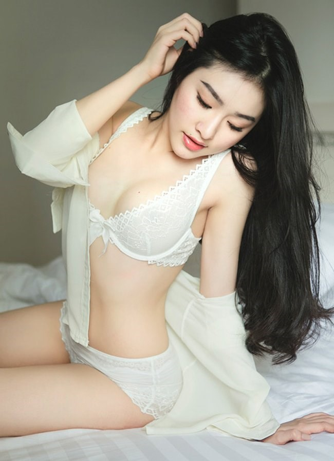 Hotgirl Việt khoe dáng Vệ nữ dưới lớp sơ mi trắng mỏng manh @BaoBua: Duyên