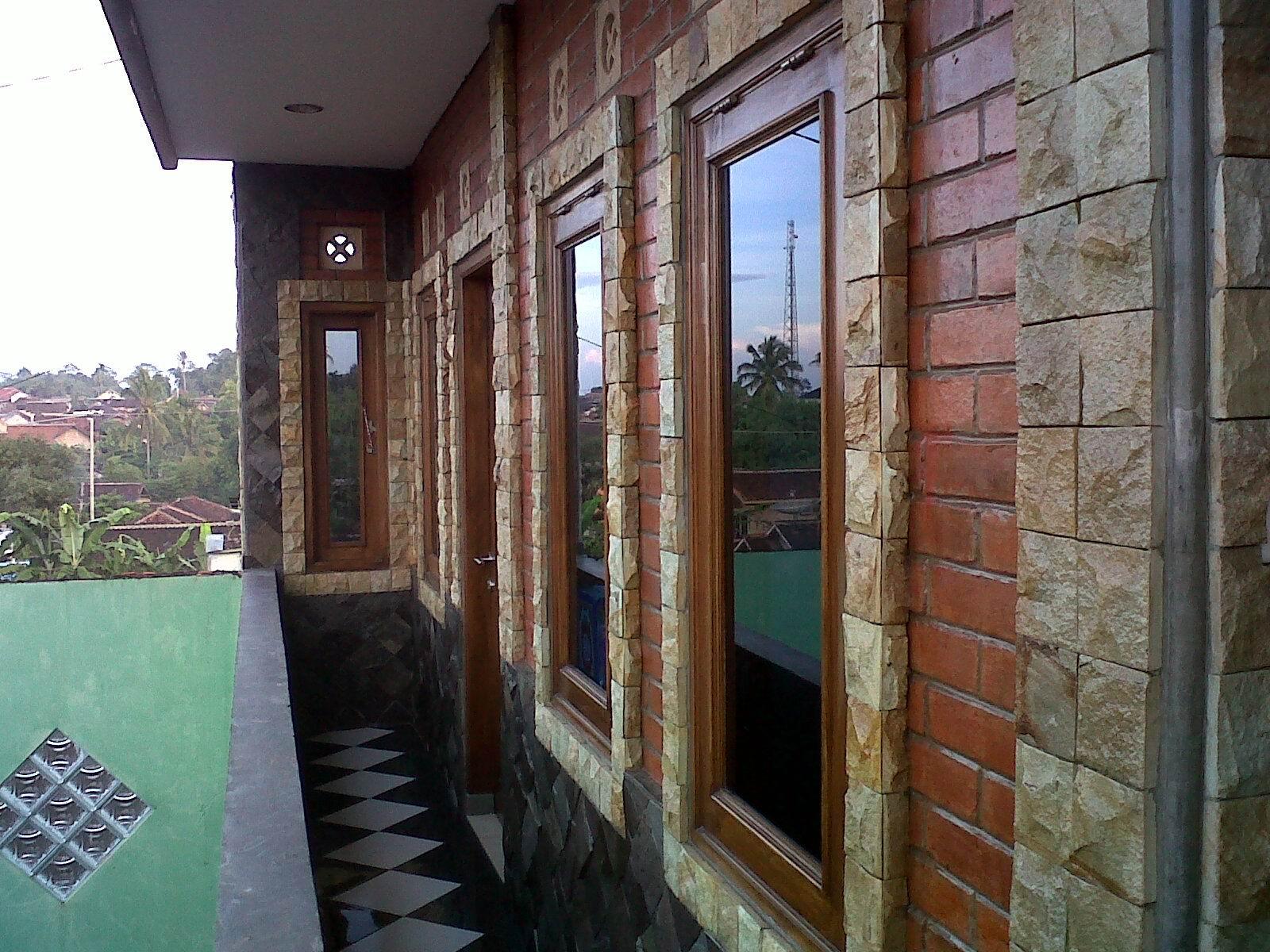 dinding rumah semakin cantik dengan batu alam serba gratisan