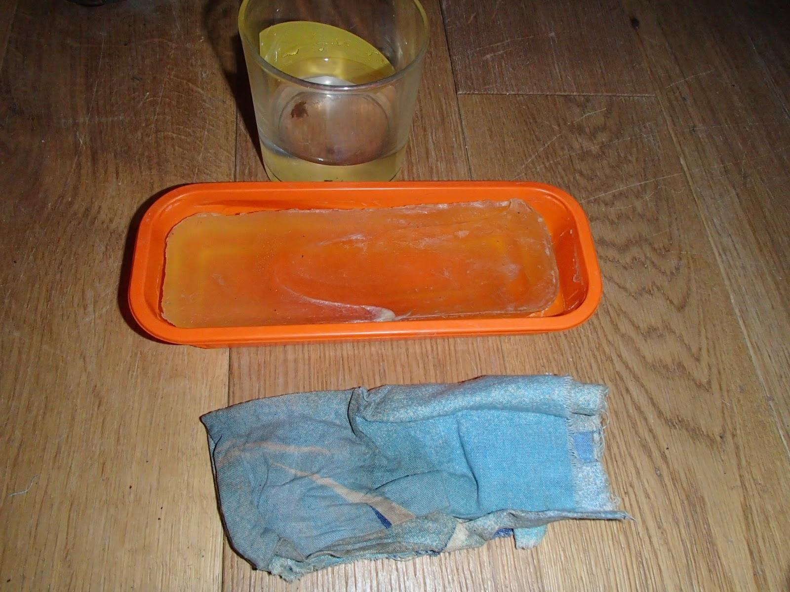 Nettoyage de la muserolle avec du savon glycérine