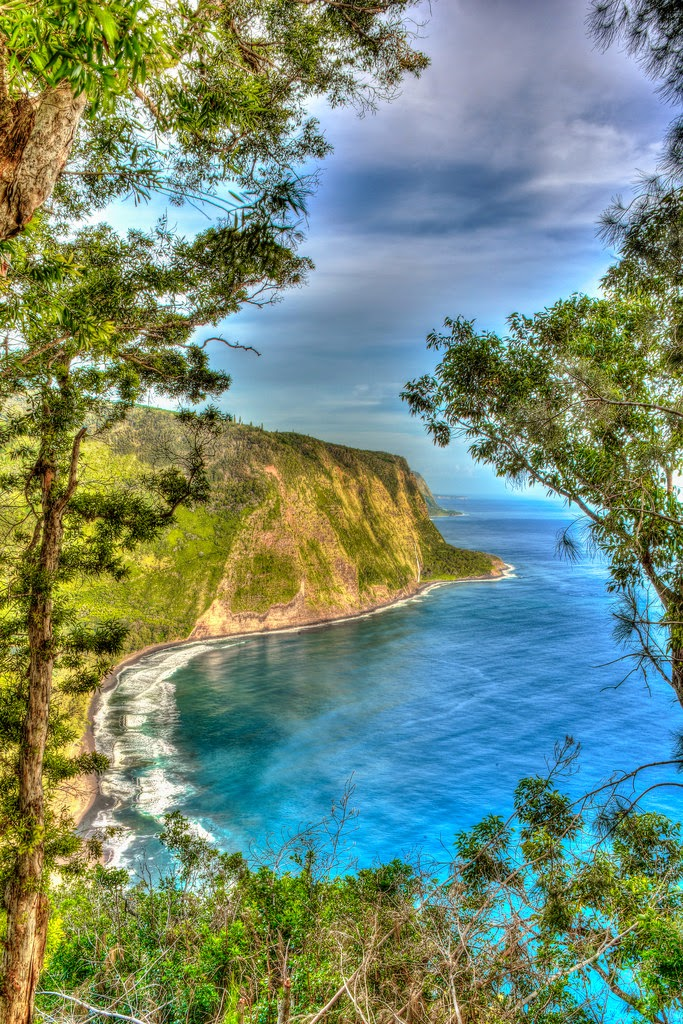 Sizzling Tourist Hotspots in Hawaii | Waipio Valley Inlet Black Sand Beach, Island of Hawaii