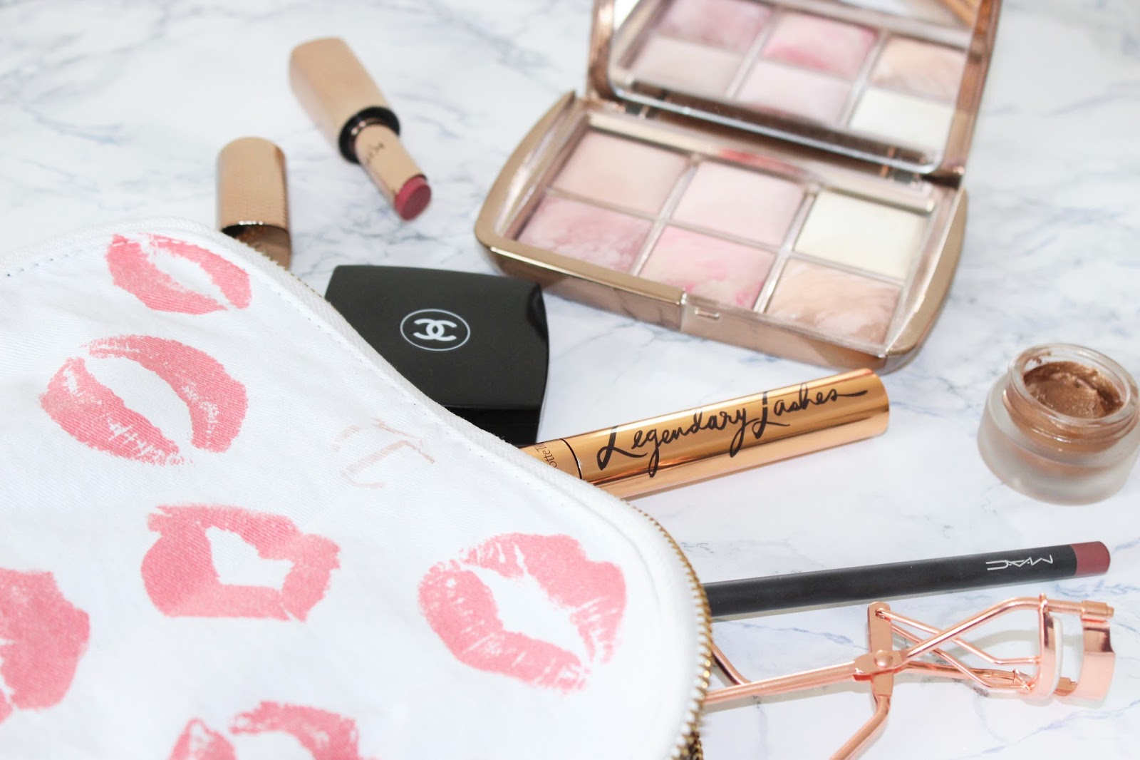 How To Keep Your Makeup Bag Clean & Organised
