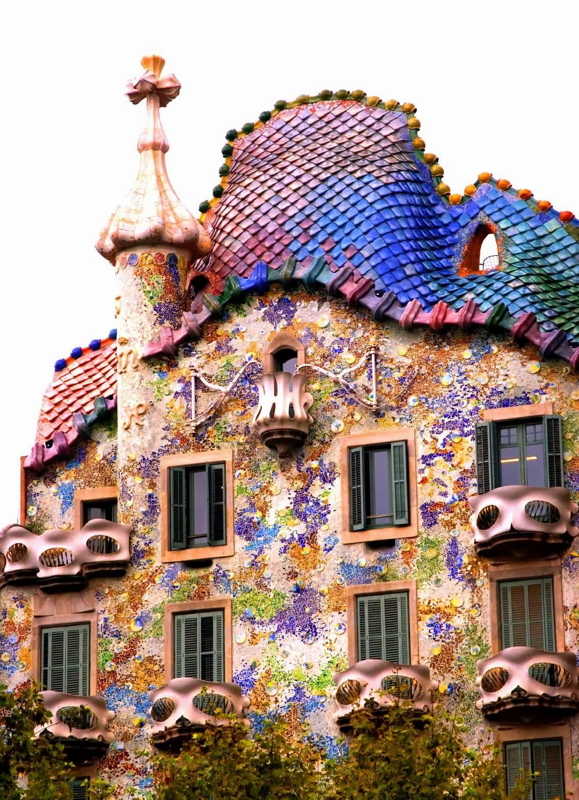 Barcelona Surroundings Exploring Gaud's Casa Batlló