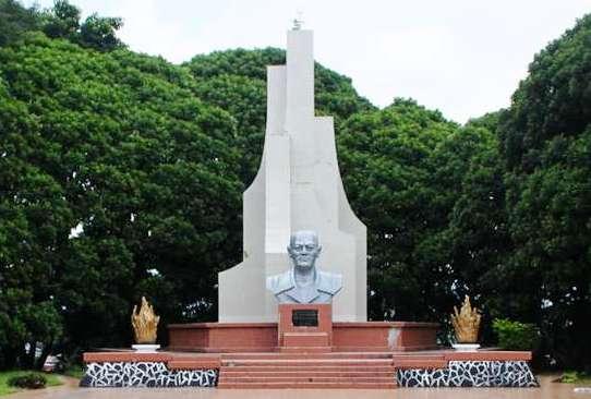 Monumen dan Makam Sam Ratulangi