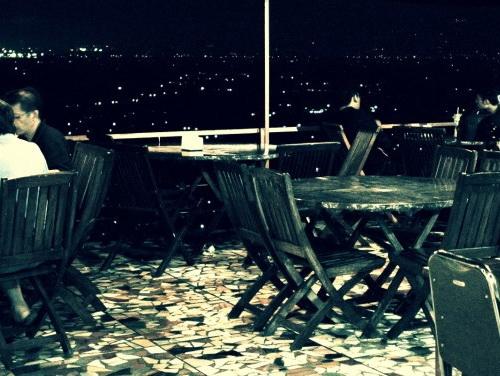 www.Tinuku.com Bukit Indah Restaurant & Hotel stylish mosaic tile floor to dramatize romantic panoramic city night