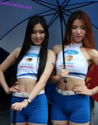 Inilah gadis-gadis seksi pembawa payung di Moto GP