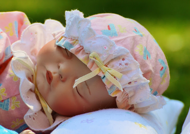 Image: Peaceful Baby, by Alexandra / München on Pixababy