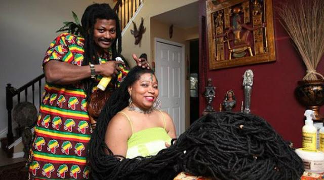 Asha Mandela (50) lebih dikenal sebagai Rasta Rapunzel
