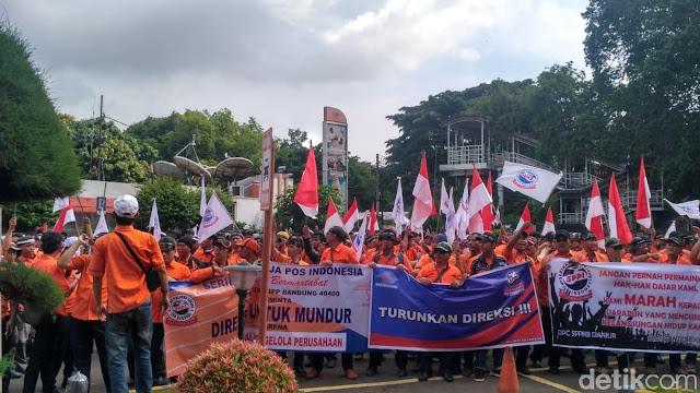 Pak Pos Gelar Aksi Demo ke Kementerian BUMN hingga Istana