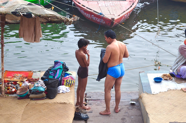 Desi Indian men male langot underwear bulge river bathing dickslip bulging wet ghat picture varanasi banaras
