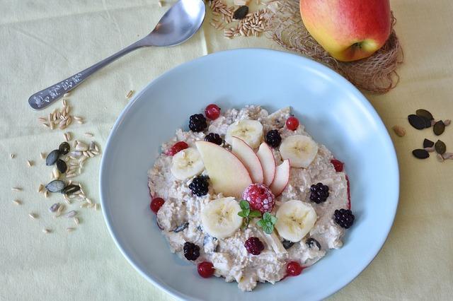 Mic dejun vegan si vegetarian: fulgi de ovaz reteta de Cristina G.