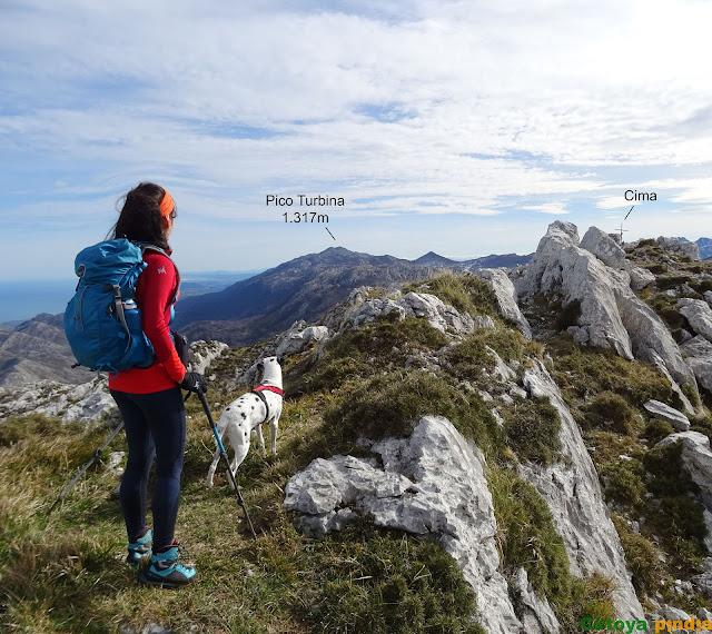 A un paso de la cima de Peña Blanca en la Sierra del Cuera