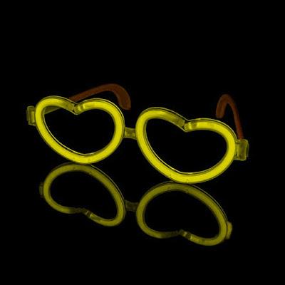 Gafas luminosas con forma de corazón