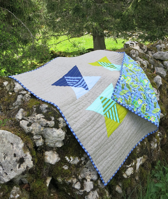 Luna Lovequilts - Baby quilt - Mountains and Valleys pattern by Julie @builtaquilt