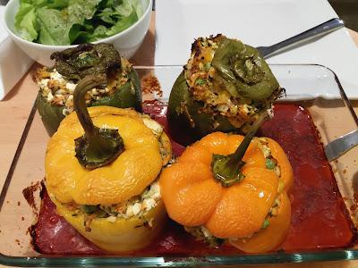Gefüllte vegetarische Paprika