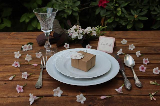 Winietki oraz kartonik na prezent dla gości weselnych od paper plant.