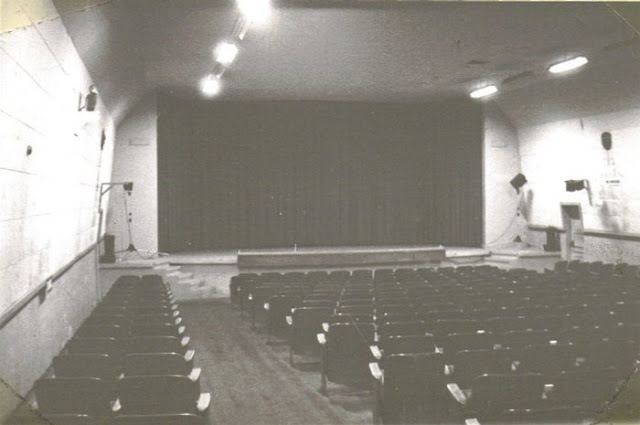 theater_int