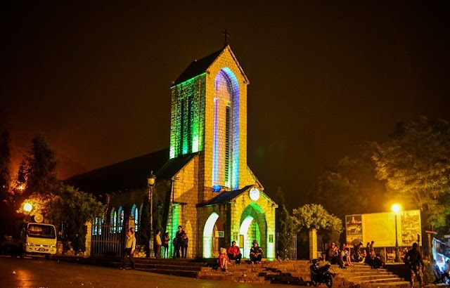 An unusual stone church appeared on Christmas Eve in Sapa