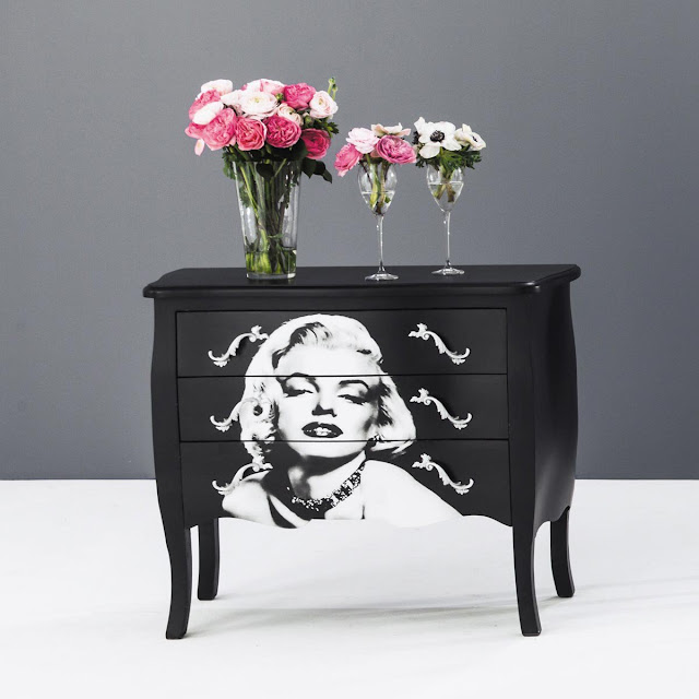 wanted un int rieur l 39 effigie de marilyn monroe beautylicieuse. Black Bedroom Furniture Sets. Home Design Ideas