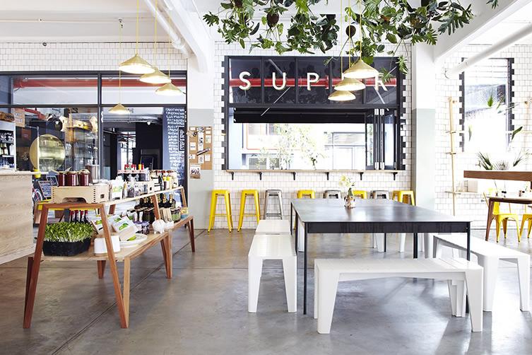 De viernes: cafetería con aire industrial