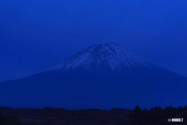 富士宮市人穴地区からの富士山
