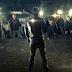 """Nova imagem sugere a chegada dos """"Sussurradores"""" em The Walking Dead"""