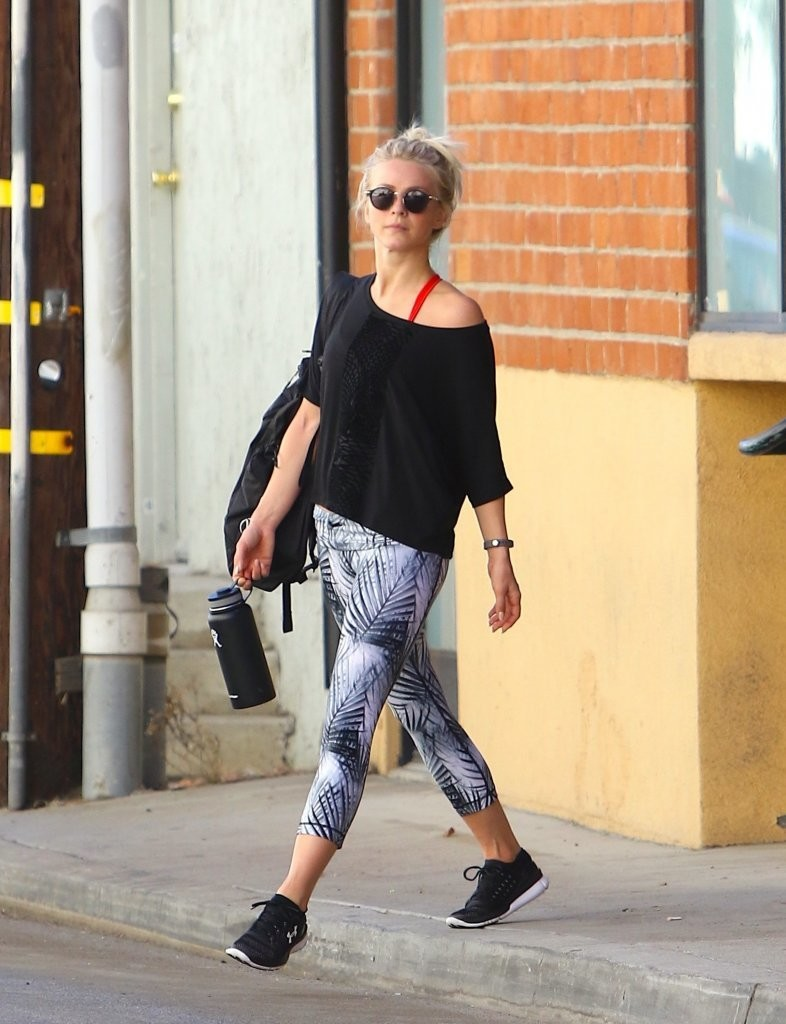 Julianne Hough Leaving the Gym