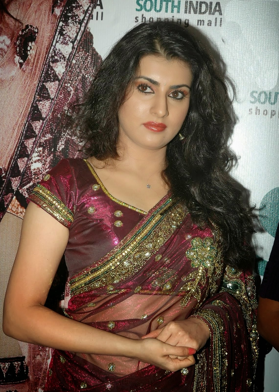 Telugu archana veda wallpapers in maroon saree tollywood boost - Archana wallpaper ...