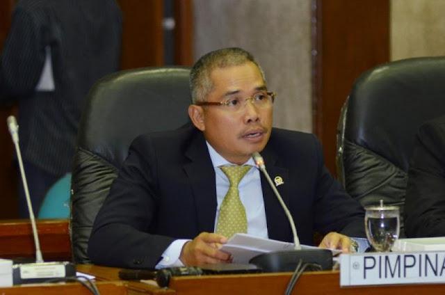 Gaji ASN Muslim Dipotong Zakat, DPR: Menag Nggak Paham Aturan
