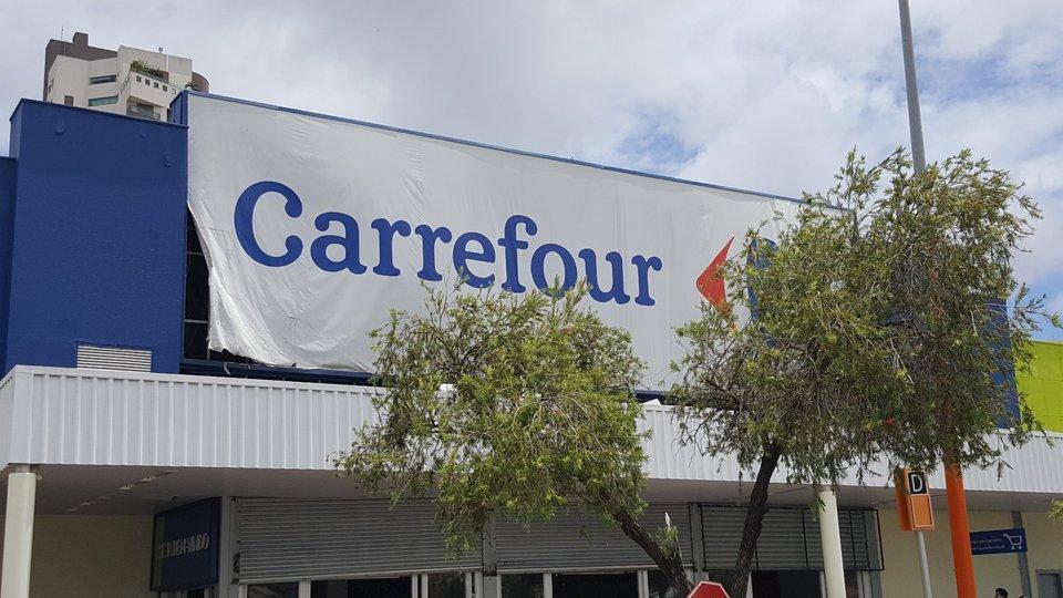 1bf3b7913a Caderno B  Carrefour Brasil inicia testes de sistema