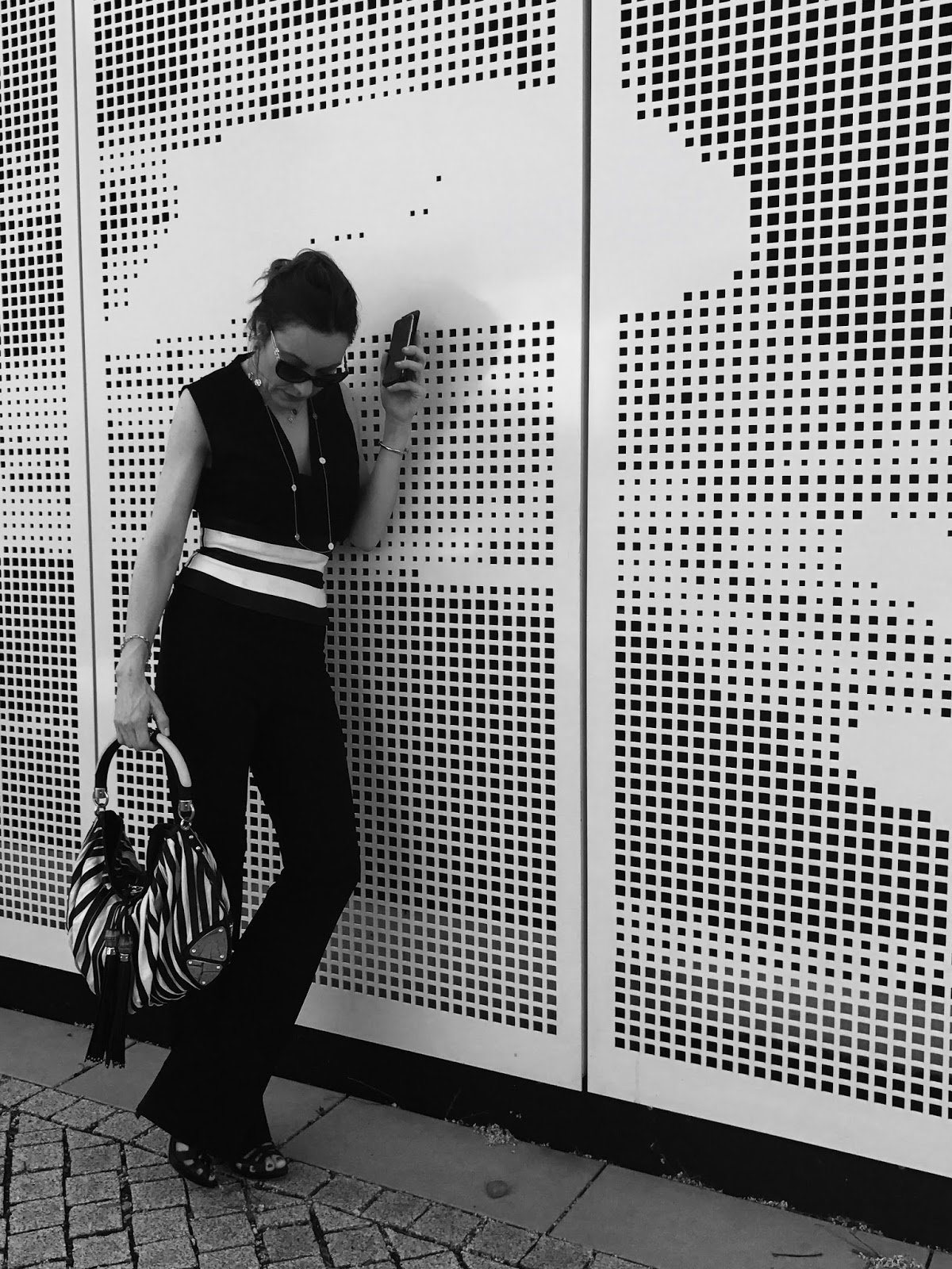 Fashion Blog Düsseldorf, today i am wearing black and white
