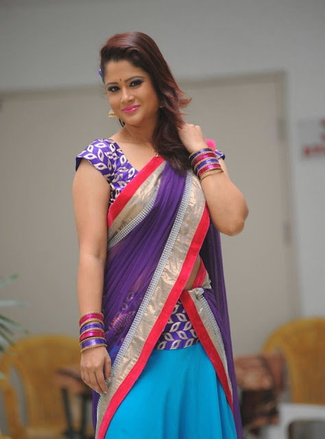 telugu_tv_anchor_shilpa_chakravarthy_photo_shoot_stills-www.chennaifans.blogspot.in+(12)