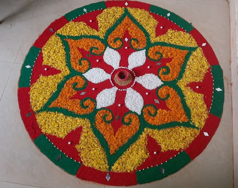 Round Rangoli Designs For Holi ! Art Magazine