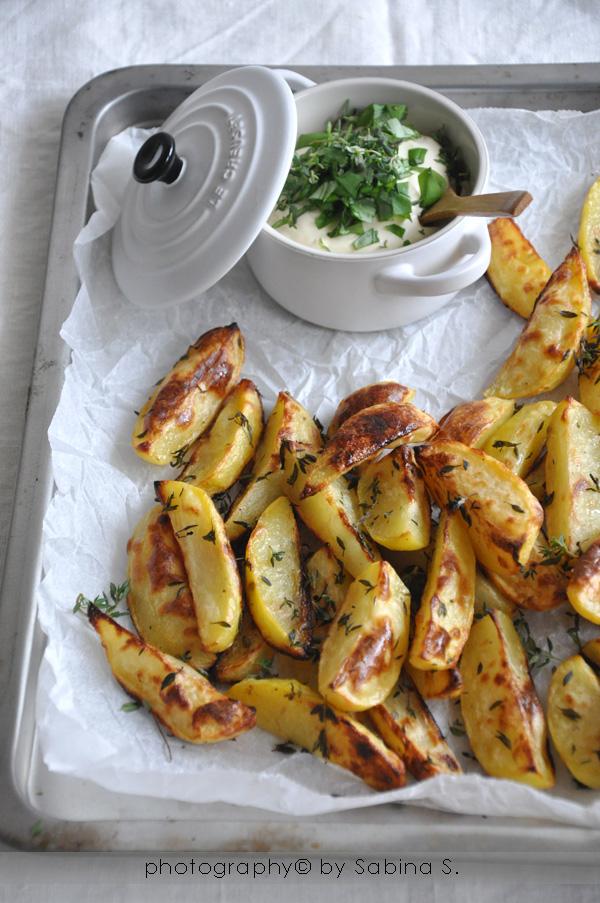 Due bionde in cucina Patate al forno con salsina alle erbe
