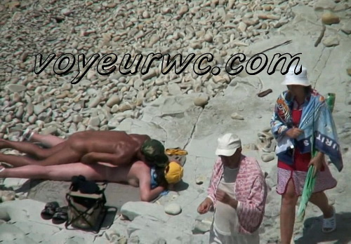 BeachHunters Sex 20839-20970 (Nude beach sex with nudist couples filmed on voyeur cam)