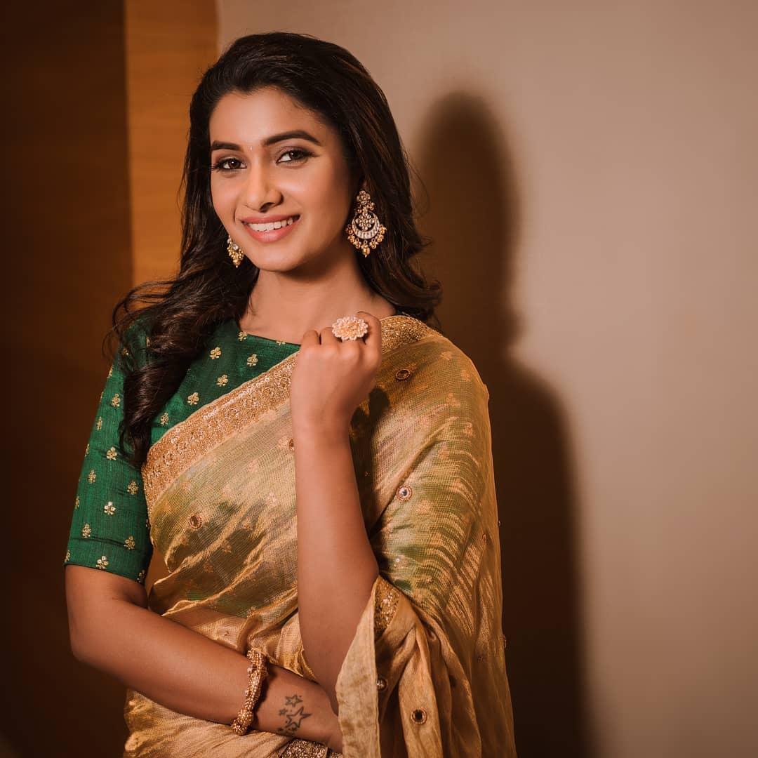 Actress Priya Bhavani Shankar Cute Golden saree Stills