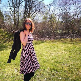 halterneck klänning mönster sy sömnad patterns inspiration damkläder klänning kläningsmönster kläder syinspo