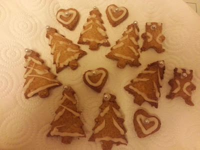 Iced Christmas Tree Biscuits