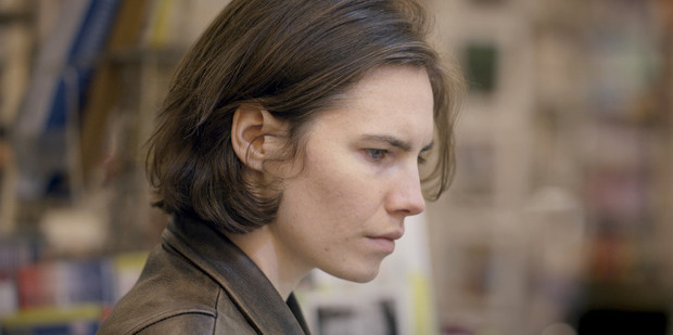Amanda Knox claims a lesbian inmate tried to seduce her in prison