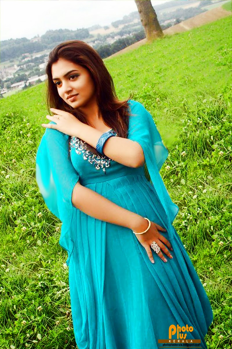 ... ACTRESS NAZRIYA NAZIM LOOK VERY CUTE HER NEW MOVIE LARGE COLLECTION OF
