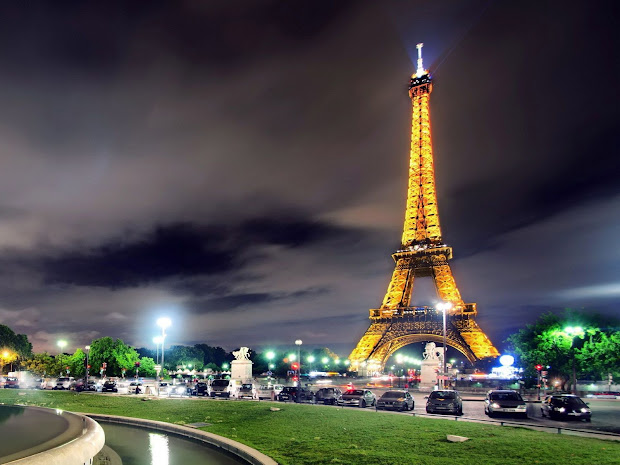 Paris Eiffel Tower at Night Wallpapers
