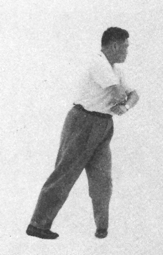 Tai Chi Chuan (Square Form) 114. Turn Body And Swing Fist