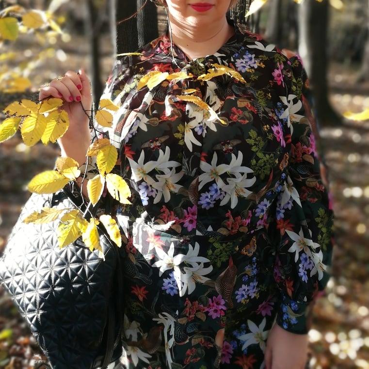 Sukienka w stylu Dolce & Gabbana  - ptaki, kwiaty i liście na bogato