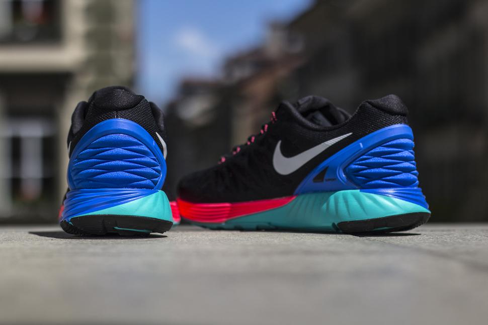 1c04e51e522f7 TODAYSHYPE  Nike Lunarglide 6 Black Hyper Cobalt Hyper Punch