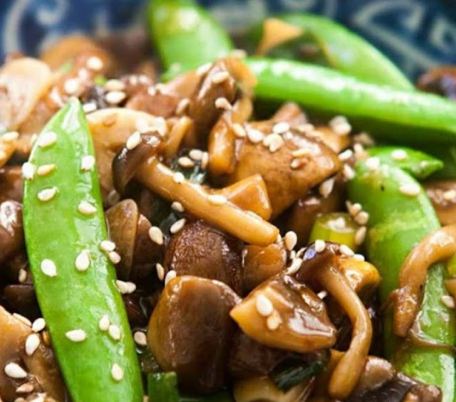 Mushroom Stir Fry with Peas and Green Onions