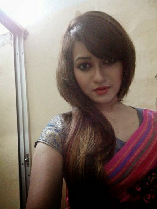 Bangladeshi Film Actress Navel Photo