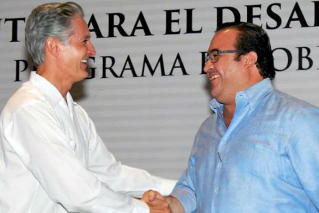 Saludo de mano a Duarte